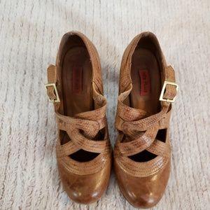 Miz Mooz Cognac Tan Distressed Soho Heels